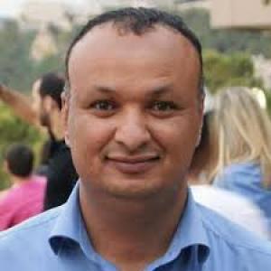 سام الغباري : هود وحيدا.. وسبأ مجرة درب ? لعيني أم بلقيس?